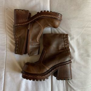 Vintage ❣️sold❣️ Chunky Brown Boot